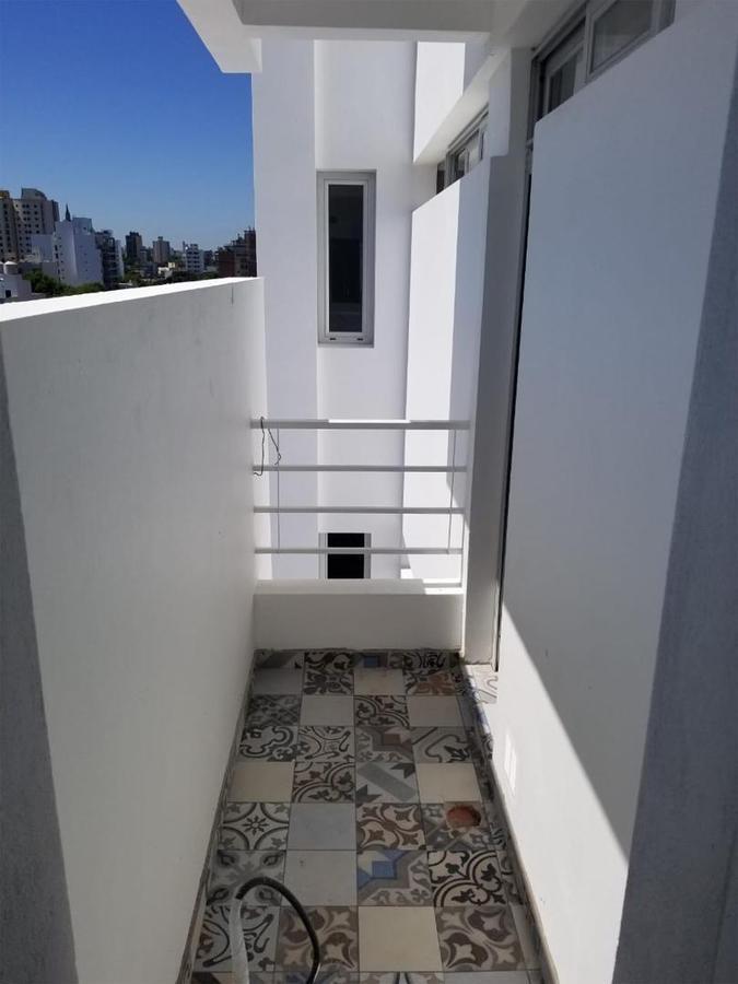semi-piso 2 dorm y cochera -104 mts 2-estrenar- la plata