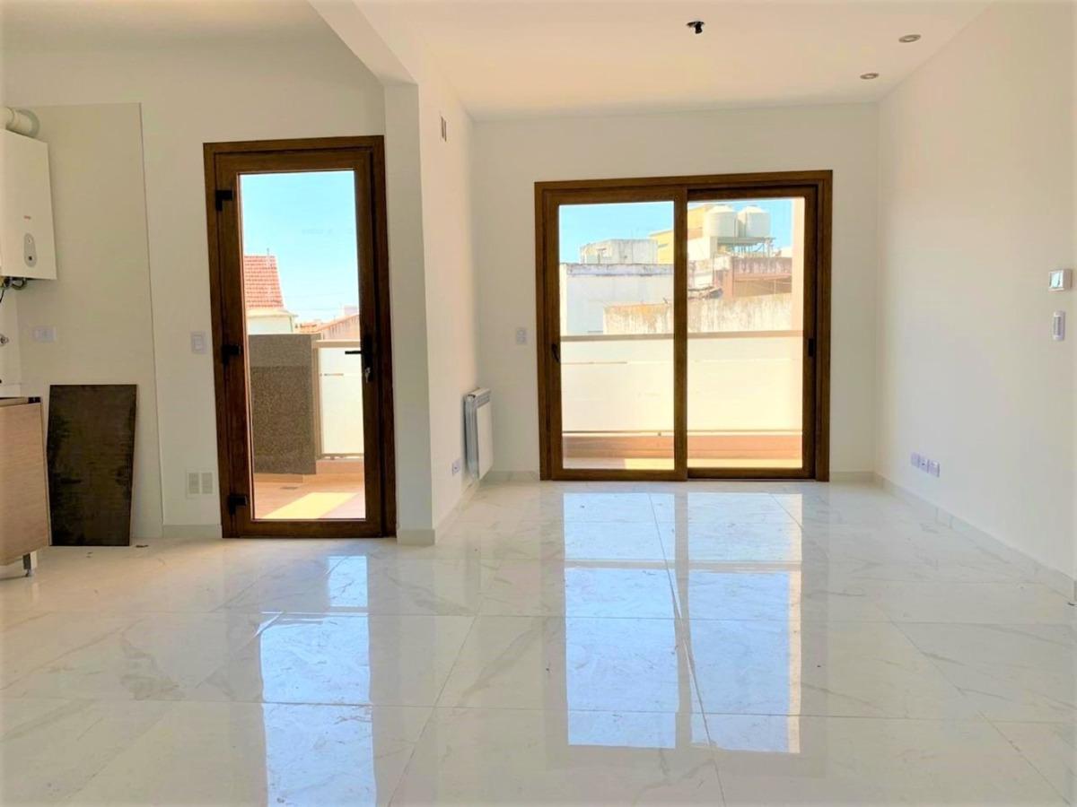 semi piso 3 amb con balcon centrico // chacabuco 68