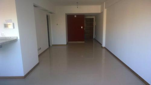 semi piso 4 ambientes 3 baños 2 cocheras y parrilla independ