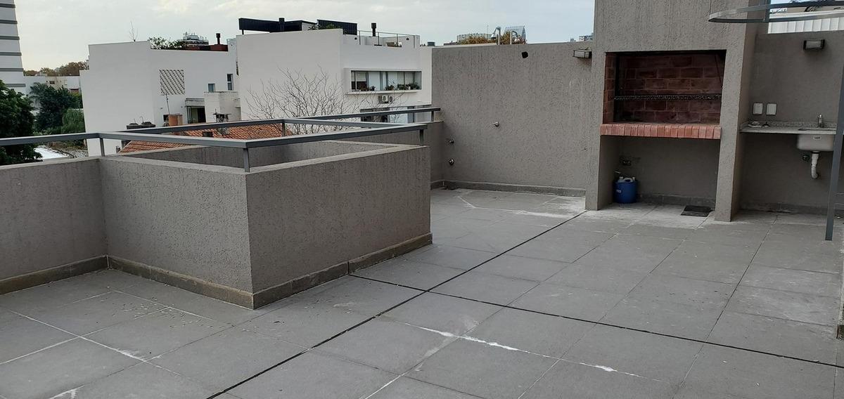 semi piso amplio 2 años antiguedad balcón aterrazado