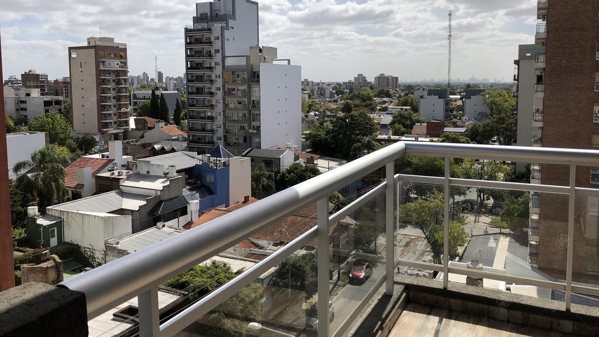 semi pisos dos ambientes a metros de la plaza conesa, con cochera !