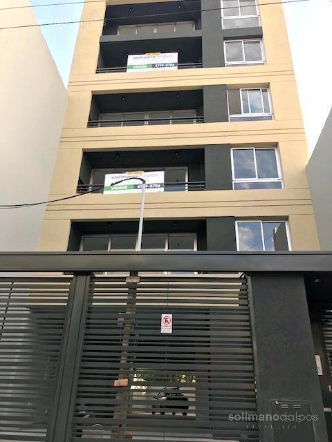 semipiso 2 amb con balcon y terraza - la lucila-vias/libert.