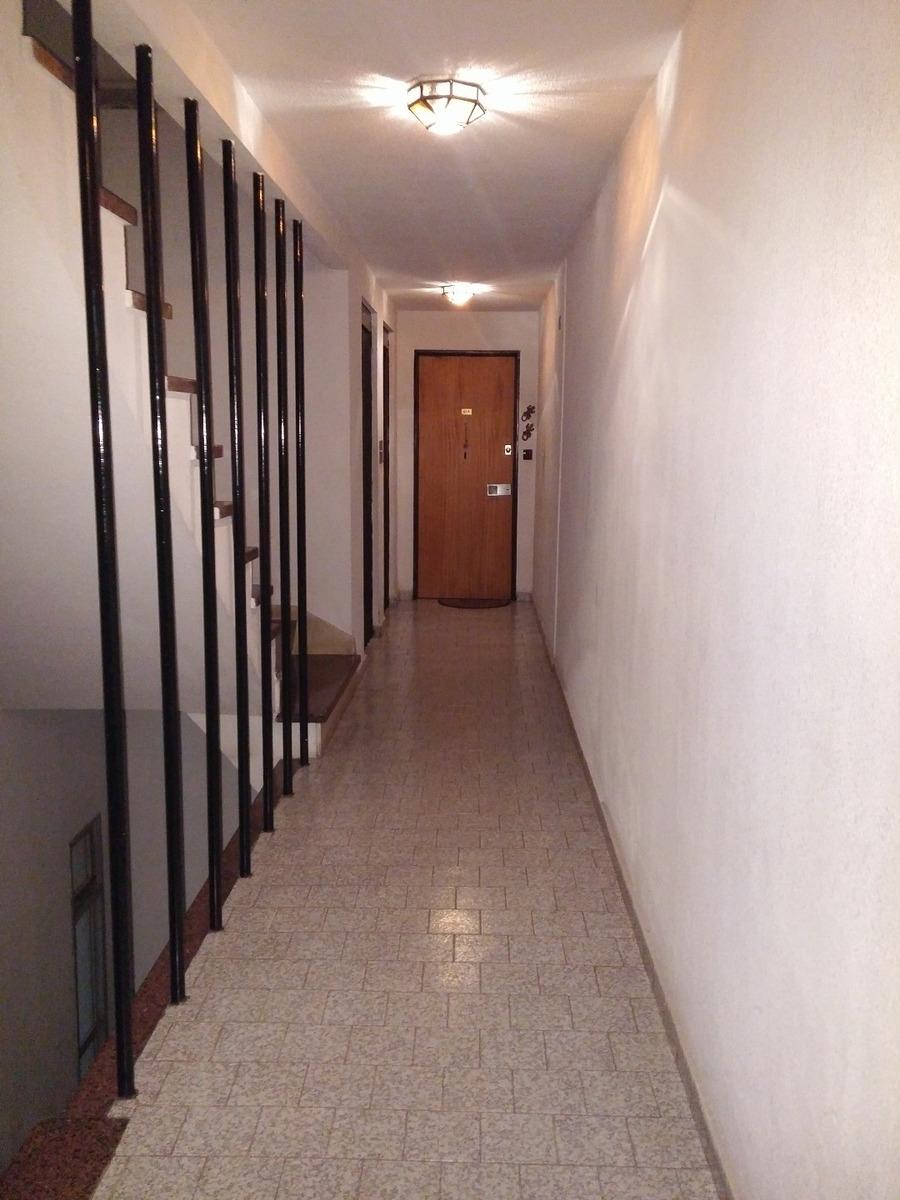 semipiso 3 ambientes cfte. con balcón saliente y vista abierta