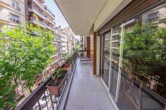 semipiso con balcón y cochera - barrio norte