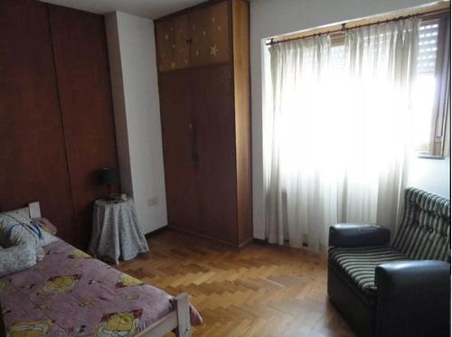 semipiso de 2 dormitorios y cochera - la plata