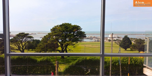 semipiso de 4 ambientes - balcon corrido- vista plena al golf y al mar- a estrenar