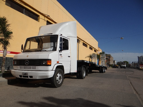semirremolque  cama deprimida para camiones medianos
