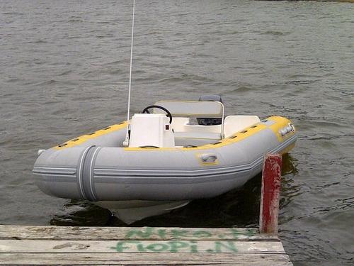 semirrigido con 60 hp elpto - astillero tozzoli