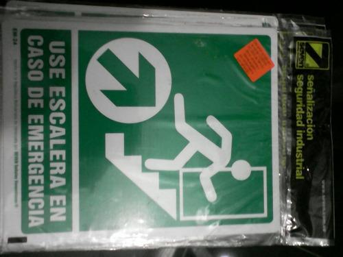 señalización use la escalera en caso de emergencia