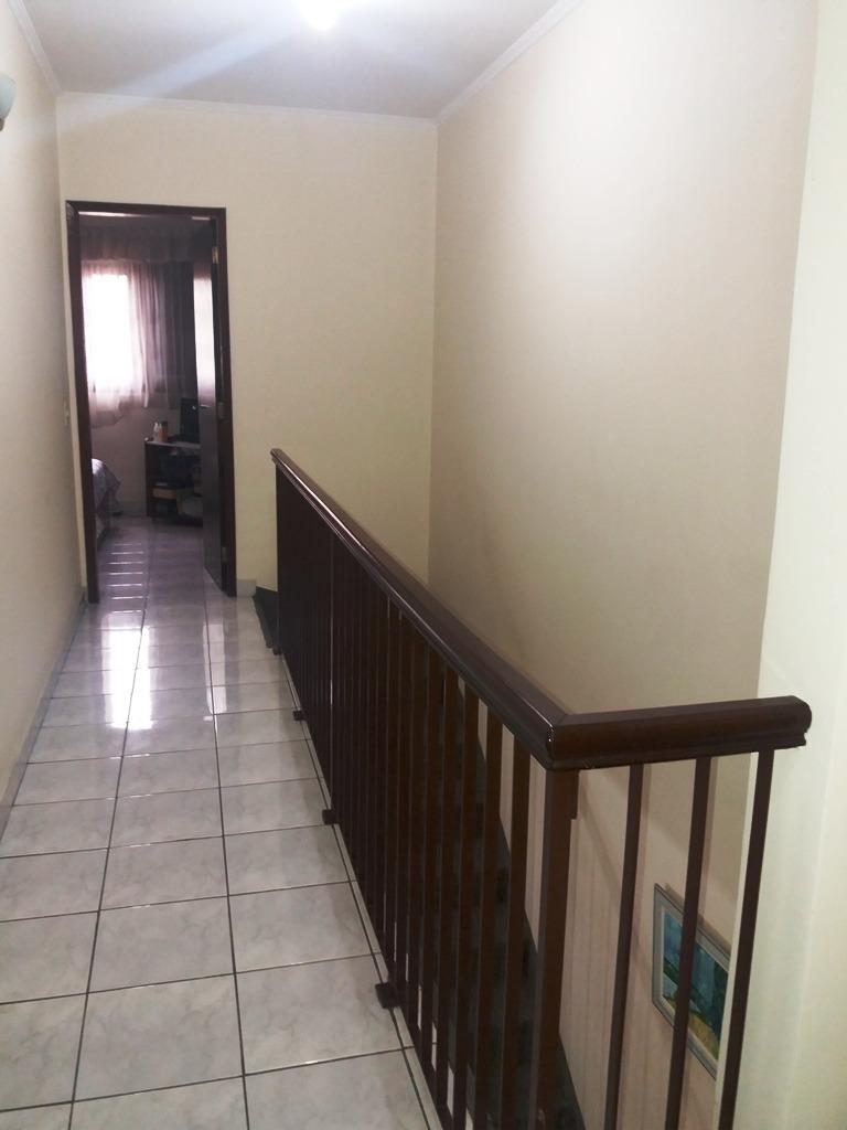sendo 3 dormitórios (1 suíte) com sacada. marcia 80320
