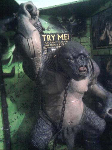 señor de los anillos troll de las cavernas toybiz orco