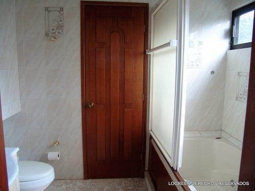 señorial casa campestre ubicada en exclusiva sección
