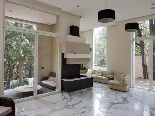 sensacional casa con impresionantes espacios y vistas al bosque