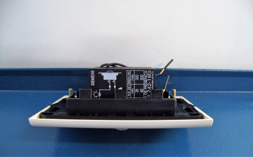 sensor de presença de embutir beige 2f siemens 5tg9742-1bg