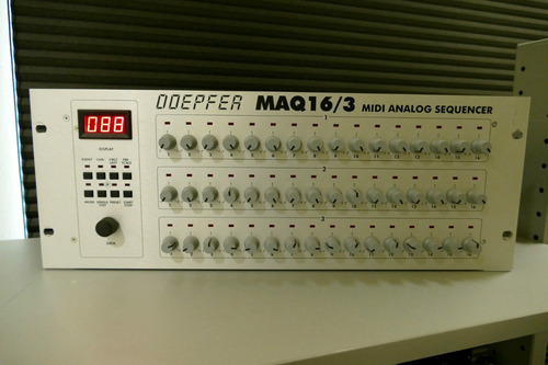 sequencer analogico doepfer maq 16/3