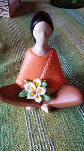 serena con calas meditacion