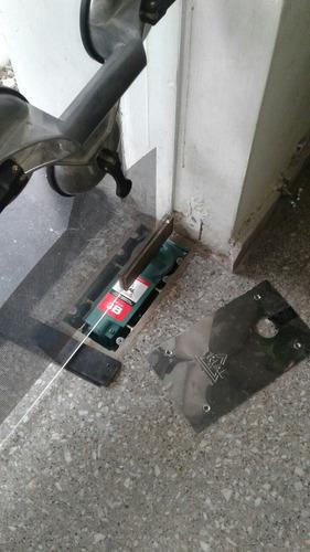 service reparacion puerta blindex urgencias freno hidraulico