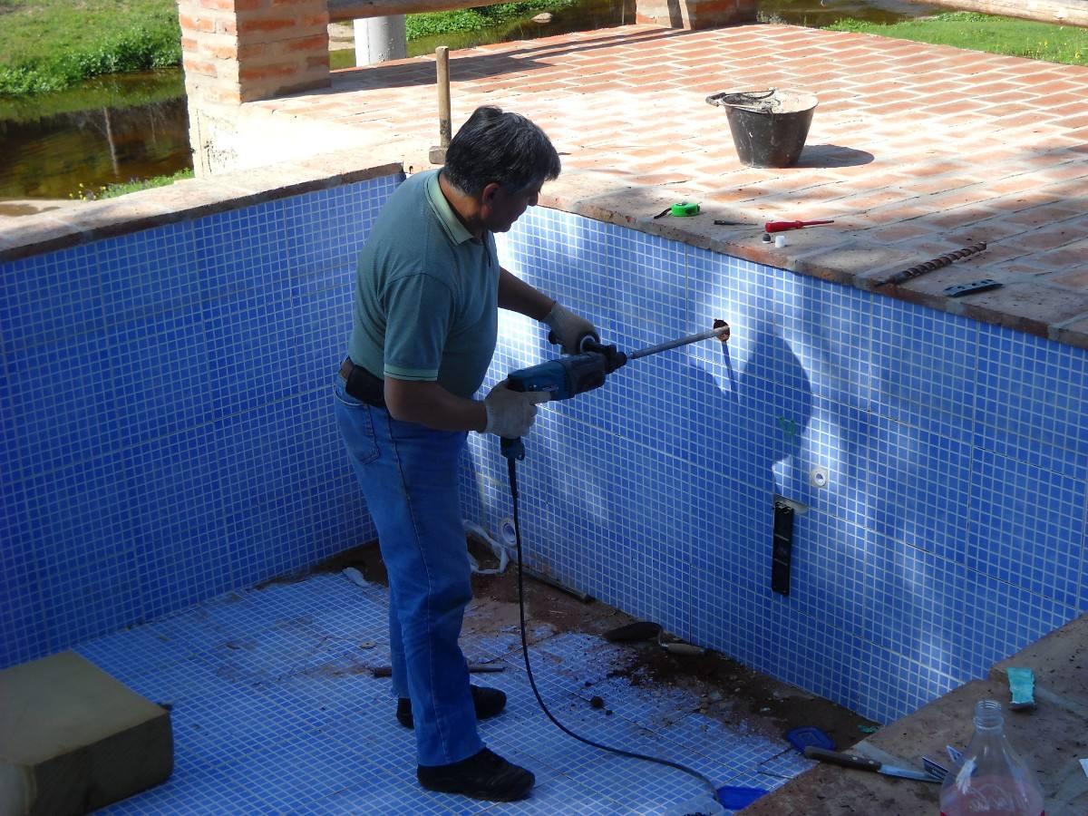 Service venta e instalacion de filtros bombas opticas for Luces para piscinas sin instalacion
