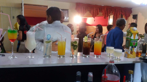 servicio barra movil iluminada - barman - open bar domicilio