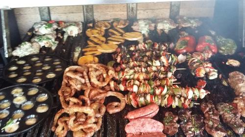 servicio catering asado, bebida libre, vajilla y manteleria