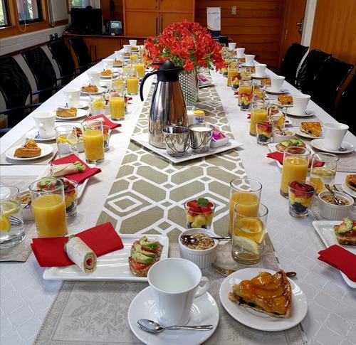 servicio catering y banquetería (coffee break y otros)