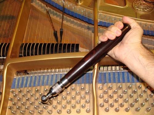 servicio de afinación de piano acústico