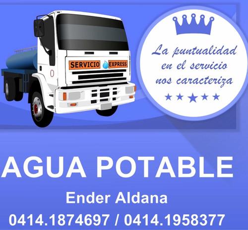 servicio de agua potable en camiones cisterna