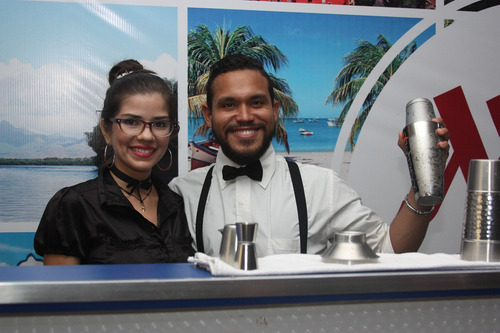 servicio de bartender profesional, barra móvil con luces led