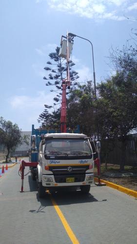 servicio de camión grúa. y transporte