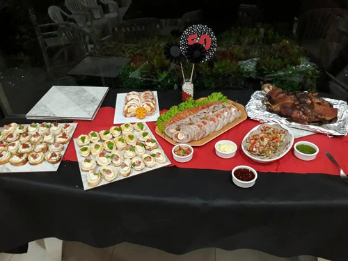servicio de catering, mesas dulces, pizza party. tacos