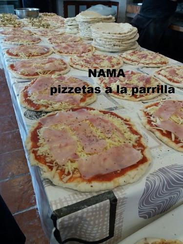 servicio de catering nama  pizzetas a la parrilla y chivitos