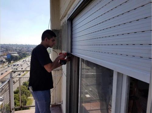 servicio de colocación cortinas aluminio taparrollo externo