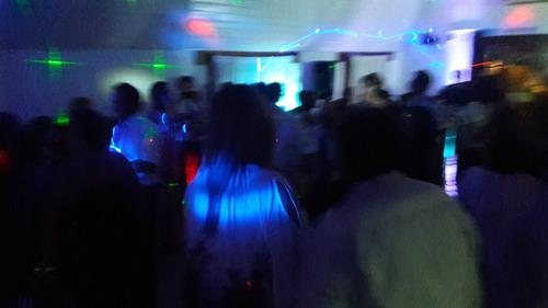 servicio de discoteca iluminación pantalla gigante