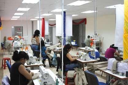 servicio de estampado serigrafía sublimación y vinil textil