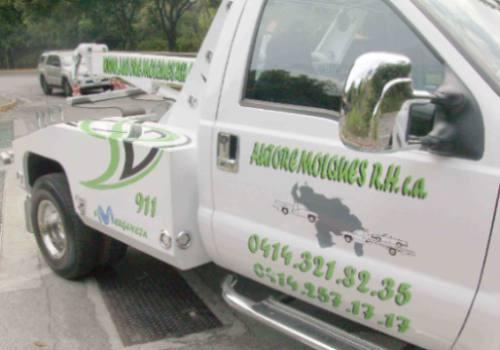 servicio de gruas, auto remolques rh c.a las 24horas del dia