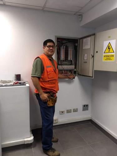 servicio de instalaciones eléctricas /pozo a tierra