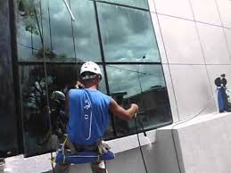 servicio de limpieza de vidrios en altura e hidrolavados