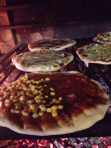 servicio de pizzas , chivitos y calzones