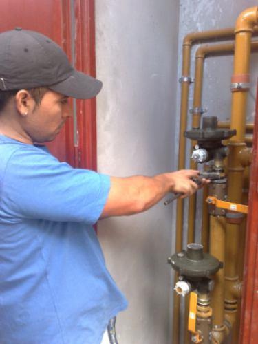 servicio de  plomeria gas y colocacion de ceramica