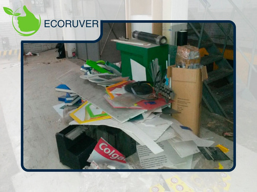 servicio de recolección de basura y madera