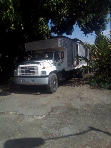 servicio de transporte camiónes plataforma cavas  graneleros