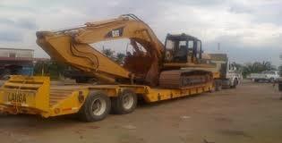servicio de transporte de equipos y maquinarias con low-boy
