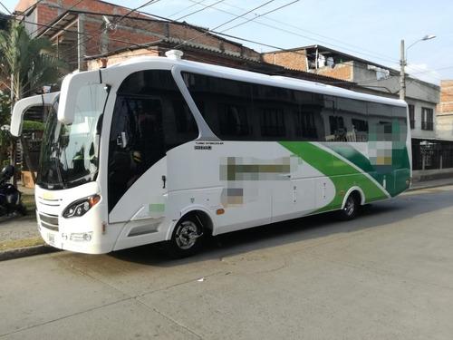 servicio de transporte de lujo dentro y fuera de la ciudad