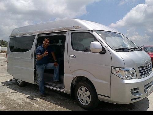 servicio de transporte ejecutivo, turistico y familiar