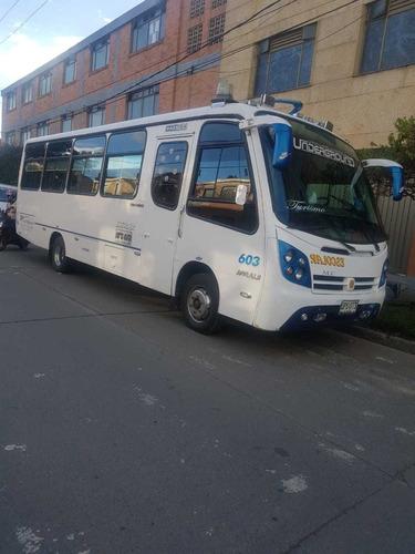 servicio de transporte empresarial ejecutivo turismo van bus