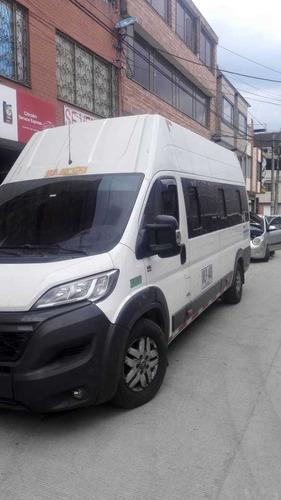 servicio de transporte empresarial y turistico