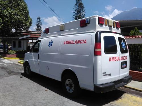 servicio de traslado en ambulancia y atención primaria