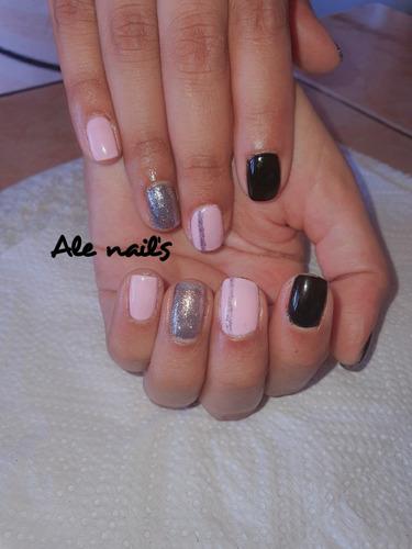 servicio de uñas artificiales