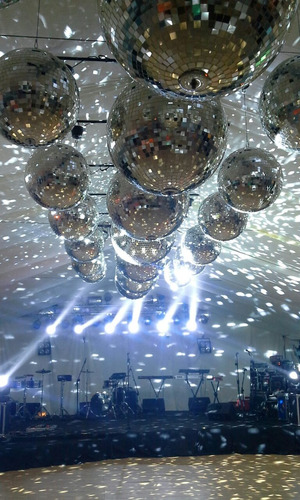 servicio discoteca-audio-luces-pantalla gigant.consult presu