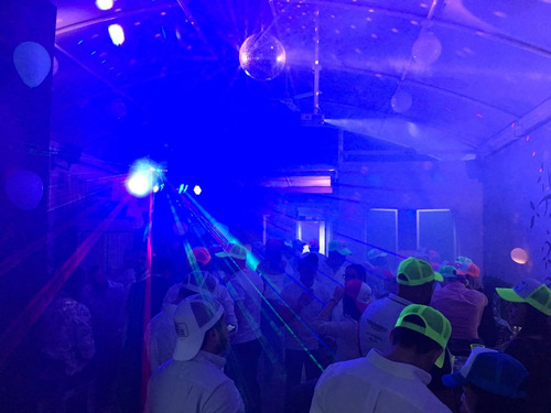 servicio dj karaoke equipo profesional iluminación y sonido